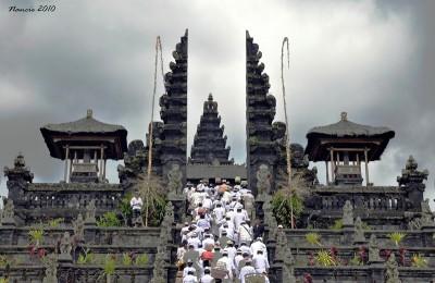 Pura Besakih, Bali. © Budget Travelers Sandbox.