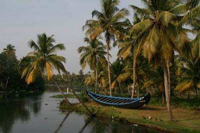 Backwaters of Kerala - a place we wish we hadn't left! © Never Ending Voyage