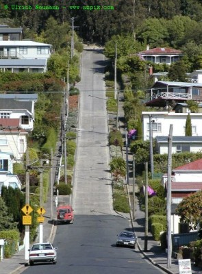 Baldwin Street, photo courtesy of Ulrich Neumann © at www.nzpix.com
