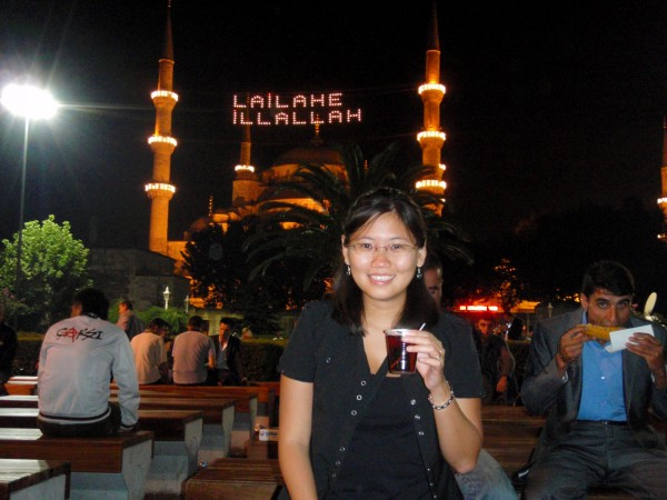 Drinking 1 Lira Chai in the front of Blue Mosque during Ramadan night, Istanbul, Turkey