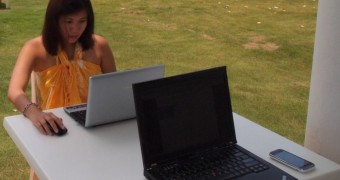 Two laptops in the same time
